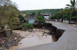 Gobierno del Cambio atiende zonas afectadas por inundaciones