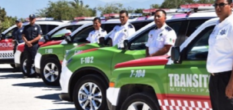 Seguro Social y uniformes para agentes de Tránsito de Bahía de Banderas