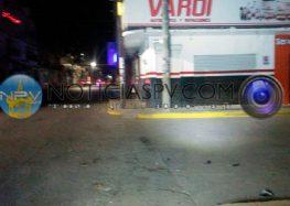 Choca repartidor de Pizza contra camioneta que se dio a la fuga