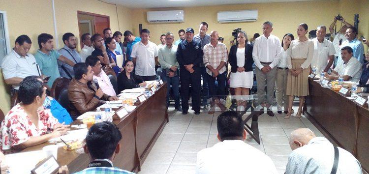 Advierte regidor serán evaluados los directores municipales