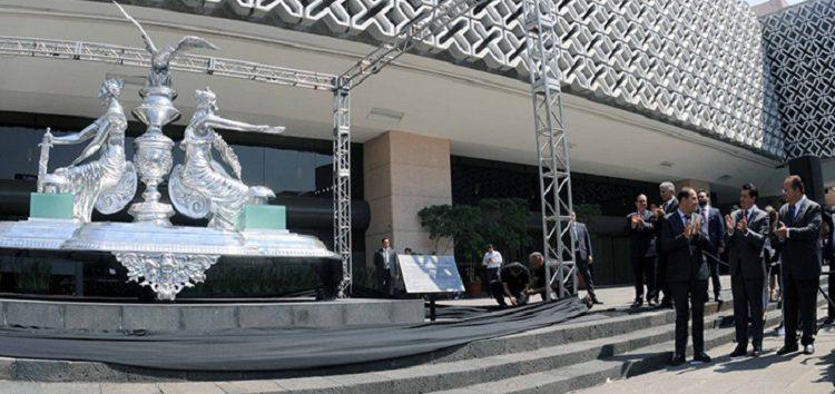 """Diputados develan escultura de 2 mdp para tener presente la """"justicia"""" en su actuar legislativo"""