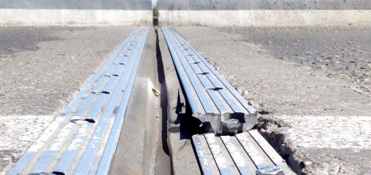 Empiezan a quebrarse juntas de dilatación del puente del río Ameca