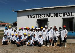 Conocen alumnos de CECYTEN Controles de Salud en Rastro