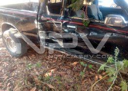 Motociclistas lesionados tras chocar contra camioneta