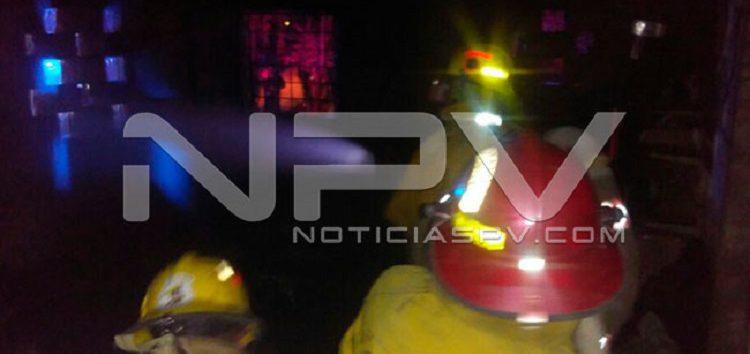 Solo cenizas quedaron de vivienda incendiada en San Vicente