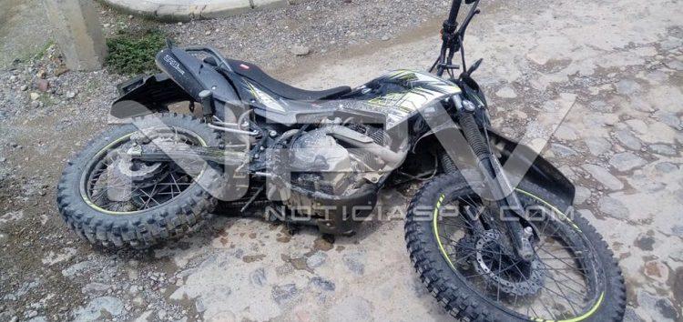 Confirman Autoridades que  sujeto llevaba moto robada