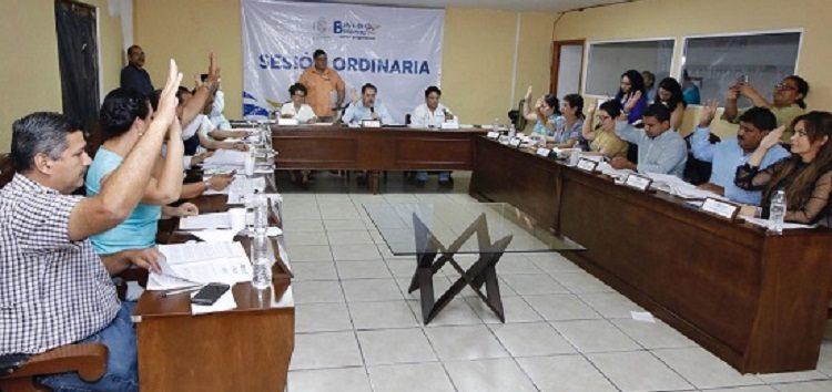Aprueban Iniciativas de apoyo a grupos vulnerables y de ordenamiento administrativo