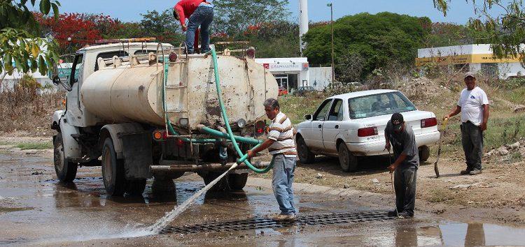 Realiza Servicios Públicos trabajos de desazolve contra inundaciones