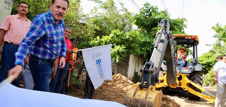 Inicia Jaime Cuevas obras en beneficio de 11 mil habitantes
