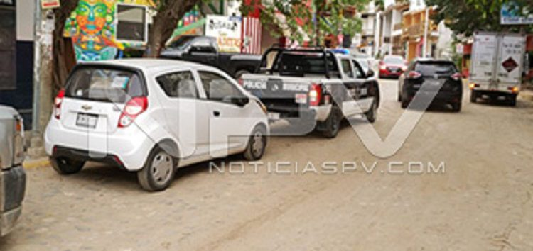 Policías de Sayulita  recuperan auto robado