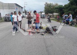 Motociclista grave tras chocar  contra taxi que se dio a la fuga