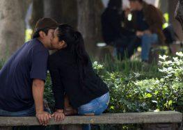 Tener relaciones sexuales en vía pública ya no será castigado en Guadalajara