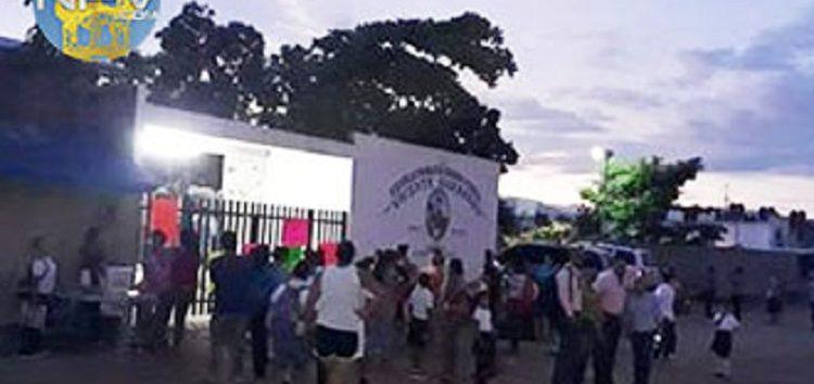 Problemas en la Vicente Guerrero en La Misión, no hay maestros