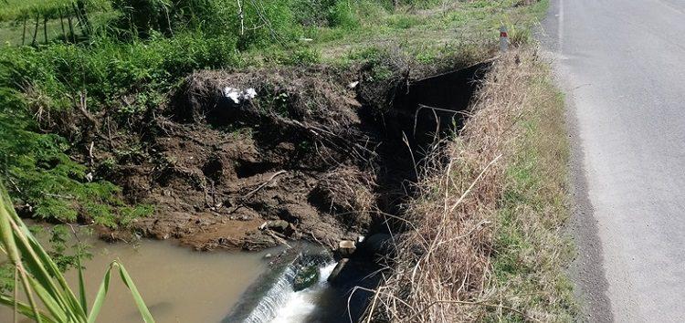 """Rastro de Bahía  contamina dren """"Piedras Azules"""" en San Juan de Abajo"""