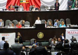 """Rosario Robles comparece ante diputados entre reclamos por la 'Estafa Maestra' y de """"cinismo"""""""