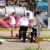Mujer motociclista se cayó en boulevard Riviera Nayarit